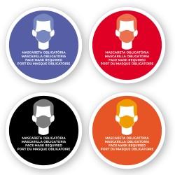 Adhesivo uso obligado de mascarillas en 4 idiomas